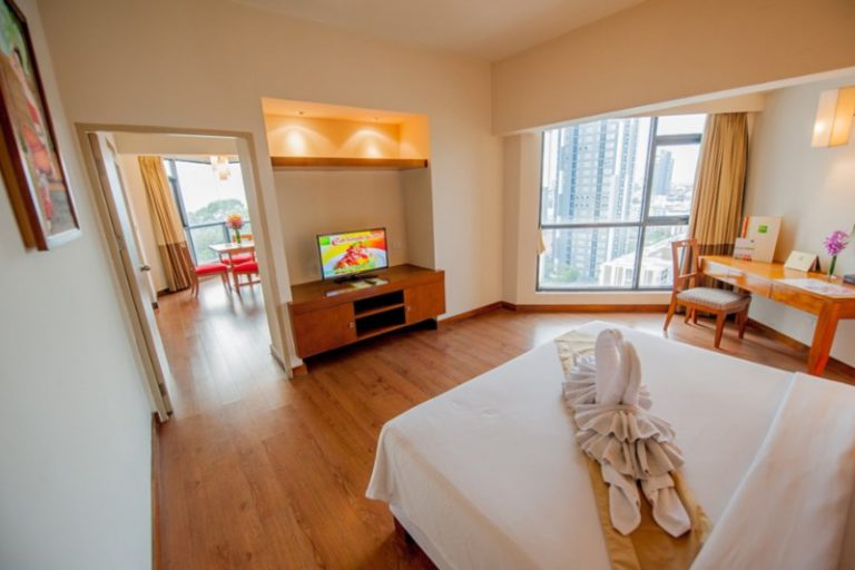 The Seasons Pattaya : Suite Room