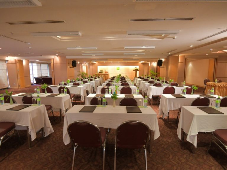 The Seasons Pattaya : Meeting Room
